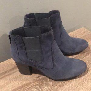 Clarks blue booties